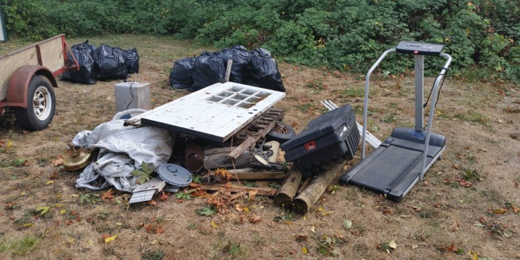 Buddy s Portland Junk Removal   Recycling   Hauling   Hot Tubs