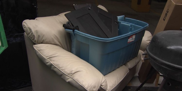Buyer beware: Police urge caution to junk removal customers | CTV