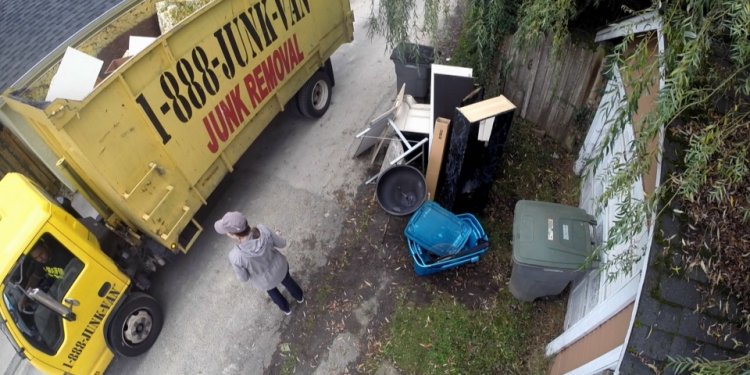 Junk removal company accused of overcharging customers | CTV